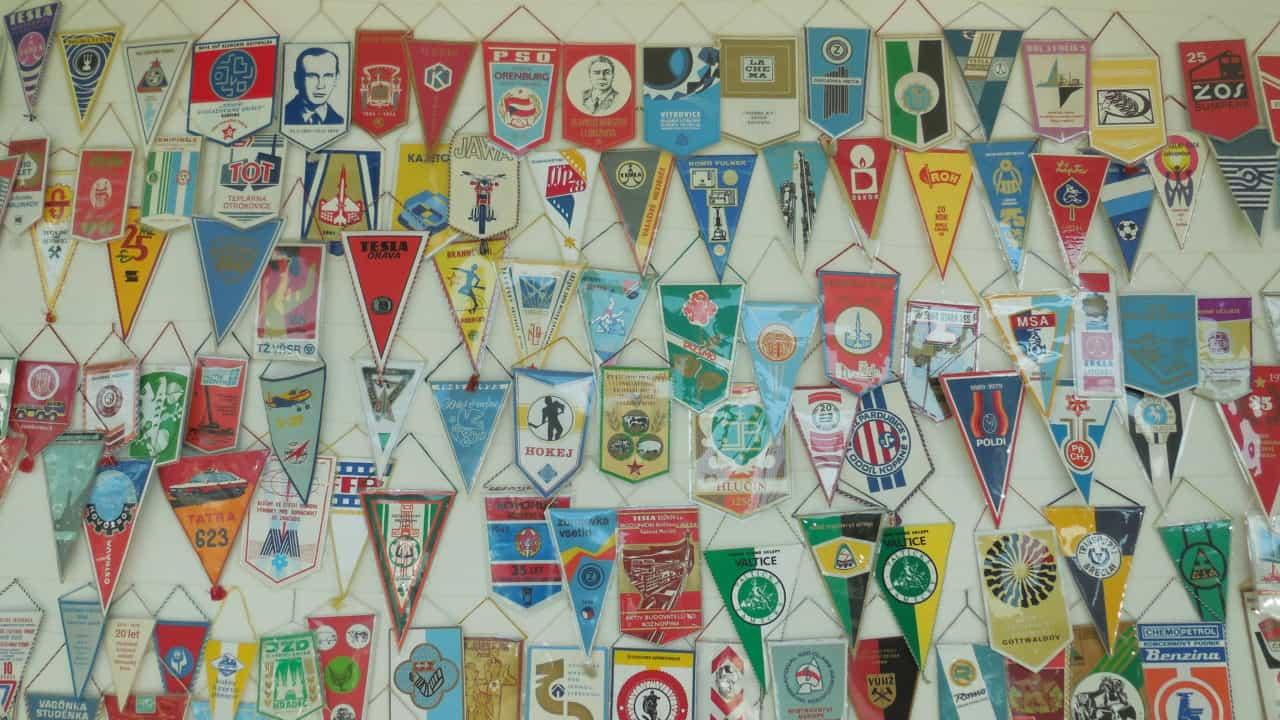 RETRO výstava 70. a 80. let - vlaječky 01