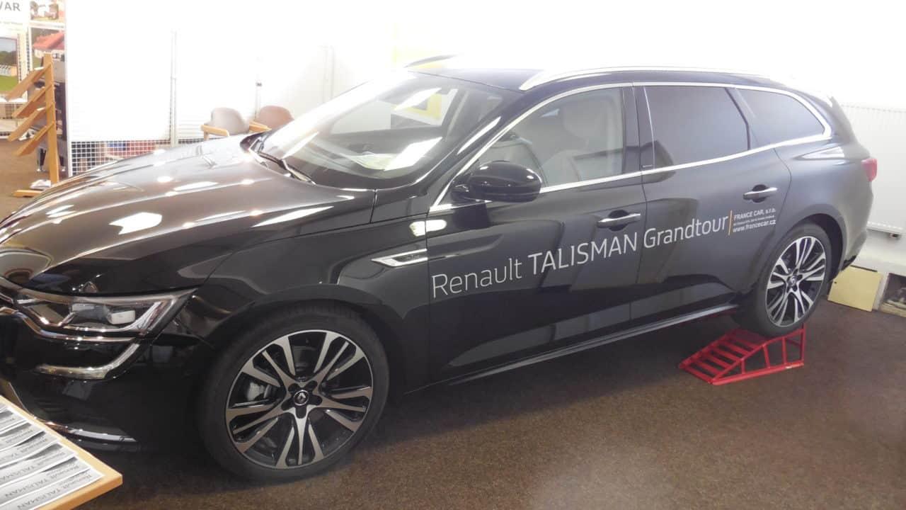21. stavební výstava Pardubice - podzim 2016 - interiér - Renault Talisman 01