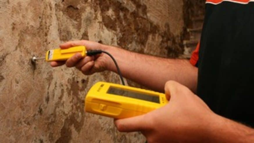 Jak zabránit vzlínání vlhkosti do budovy?