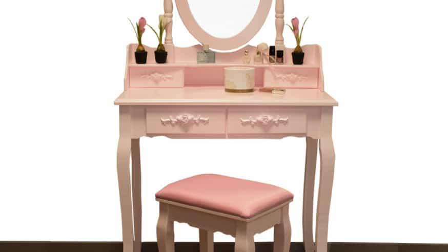 Stylové toaletní stolky pro ženy