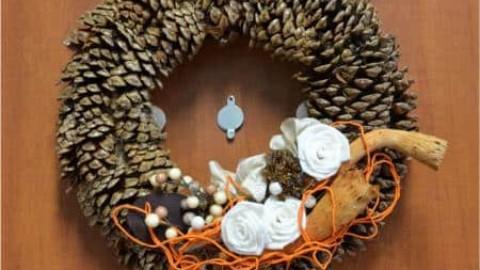 Vánoce pod kukátkem – pověste adventní věnec elegantně
