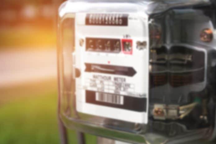 Elektrické hodiny (shutterstock_1161121399_rozostřeno)_1024px