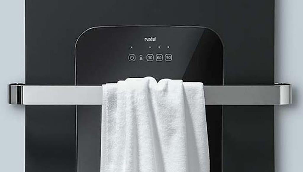 Radiátor Runtal Folio Hybrid detail s ručníkem