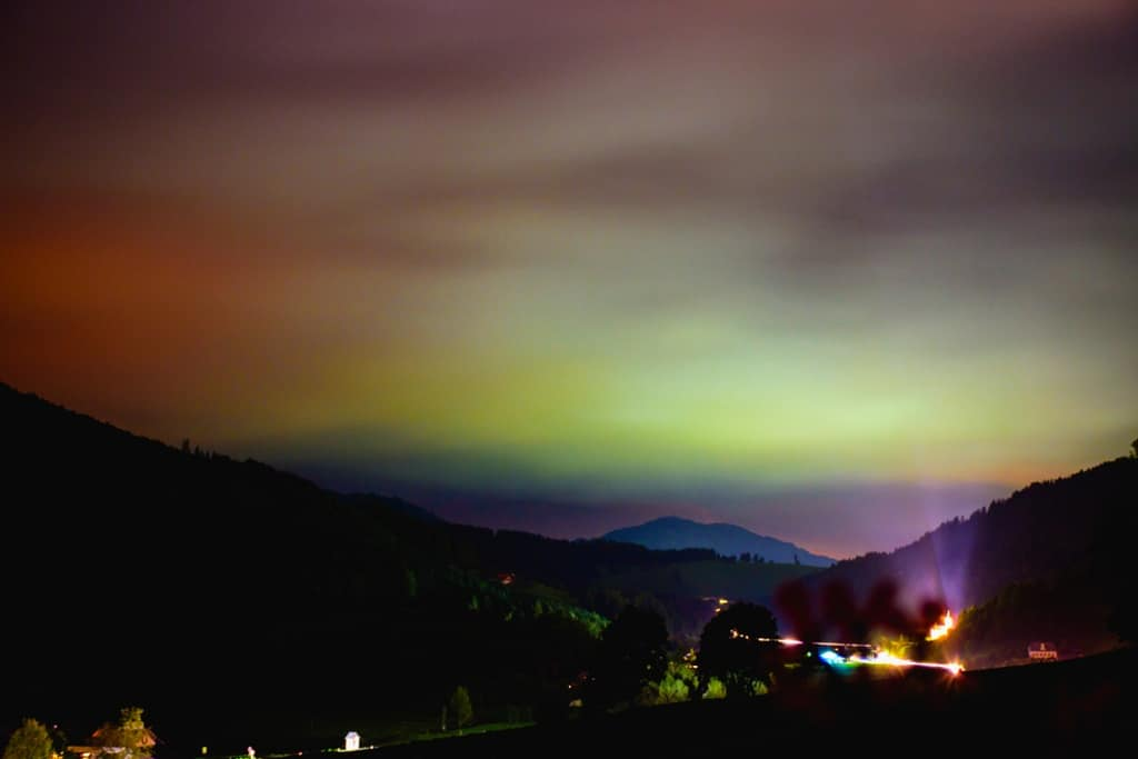 Světelný smog foto 1 barevná záře
