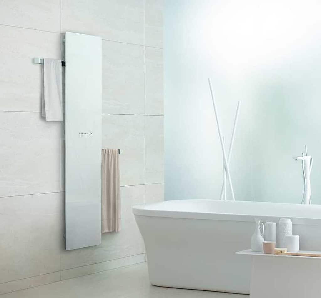 Zehnder Deseo Verso světlý v koupelně