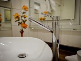 Umyvadlo vodovodní kohoutek