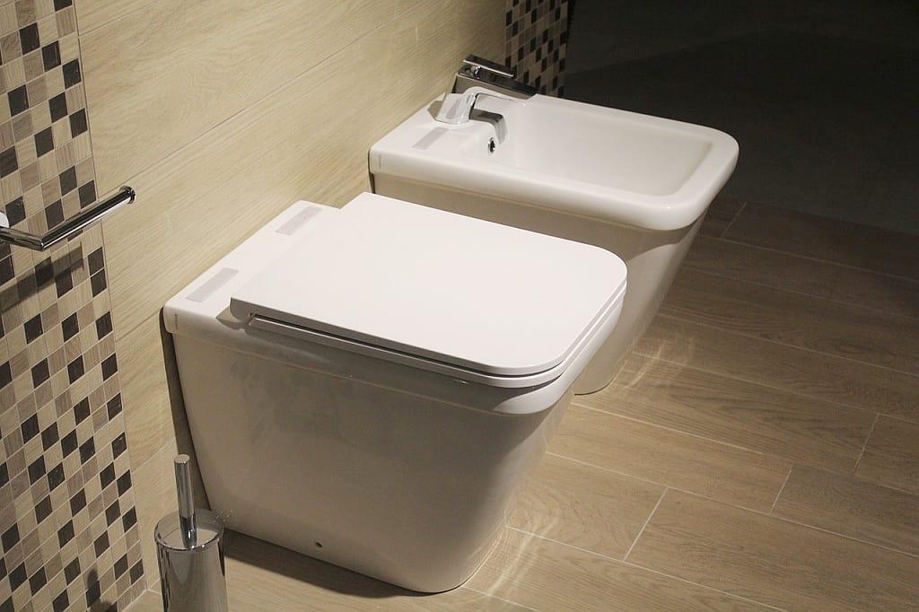 WC s bidetem