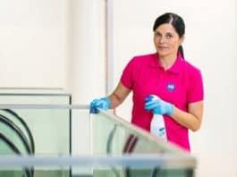 Úklid na pracovišti - čištění povrchu s kontaktem lidí (viry a koronavirus) 2020