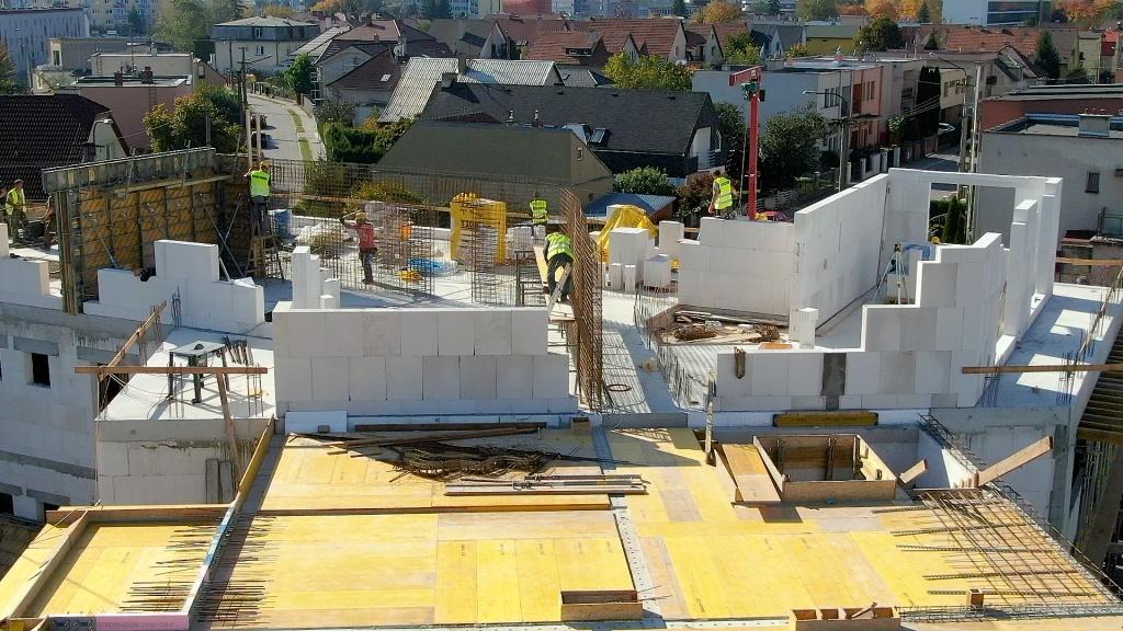 Velkoformátová výstavba - Xealla - Trenčín 1