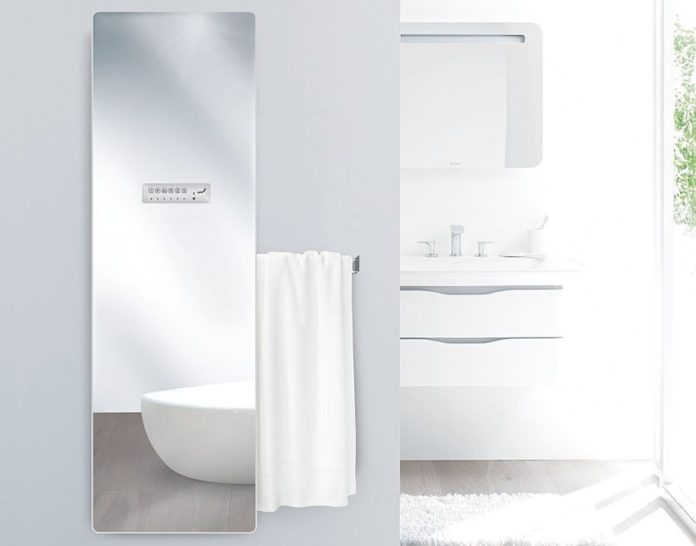 Bílý koupelnový radiátor Zehnder Deseo Verso v provedení zrcadlo