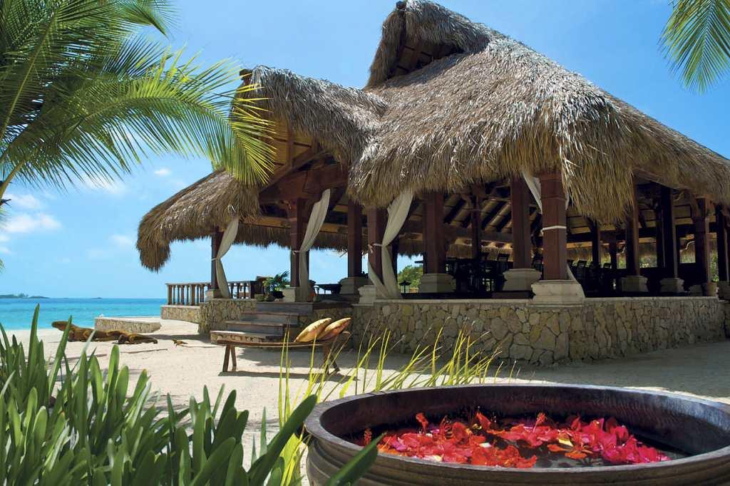 Musha Cay Bahamy - David Copperfield - plážový přístřešek (VillaGuru.com)