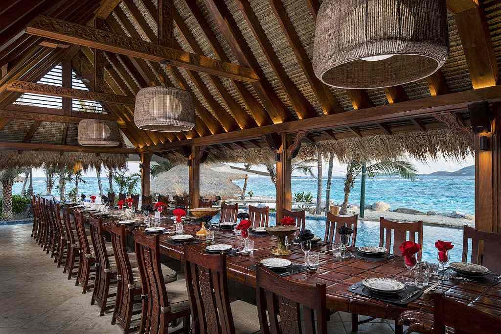 Necker Island Richarda Bransona - jídelna (VillaGuru.com)