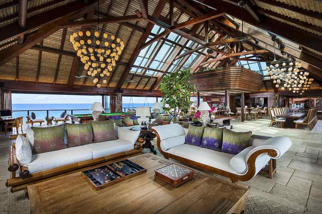 Necker Island Richarda Bransona - obývací místnost (VillaGuru.com)