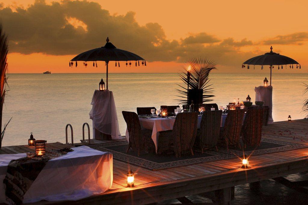 Musha Cay Bahamy - David Copperfield - večeře na molu (VillaGuru.com)