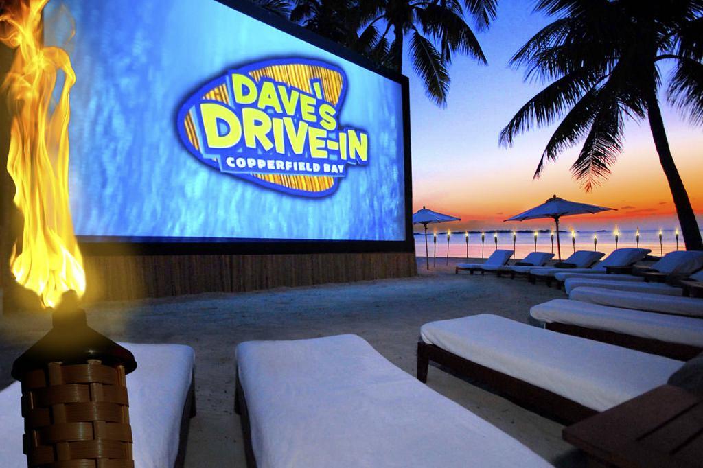 Musha Cay Bahamy - David Copperfield - soukromé letní kino s lůžky (VillaGuru.com)
