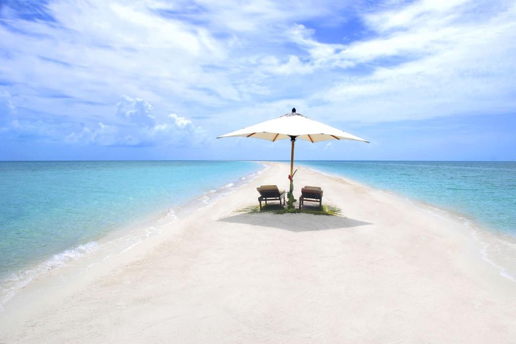Musha Cay Bahamy - David Copperfield - plážový bar (VillaGuru.com)