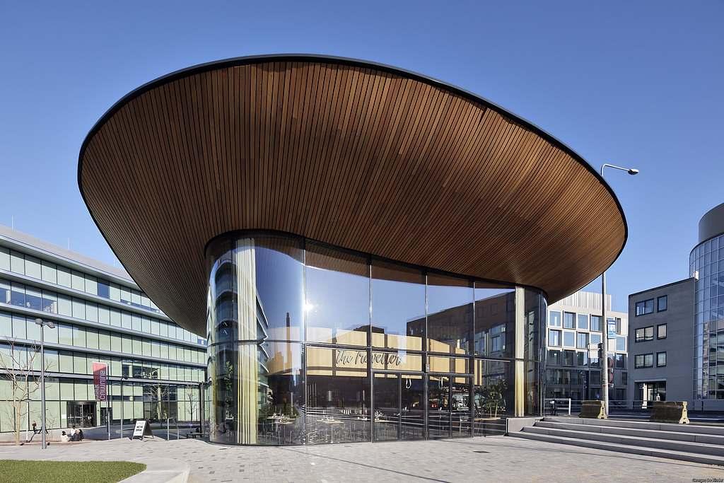 Budova ING Amsterdam, Nizozemsko, ohýbaná skla - foto č.
