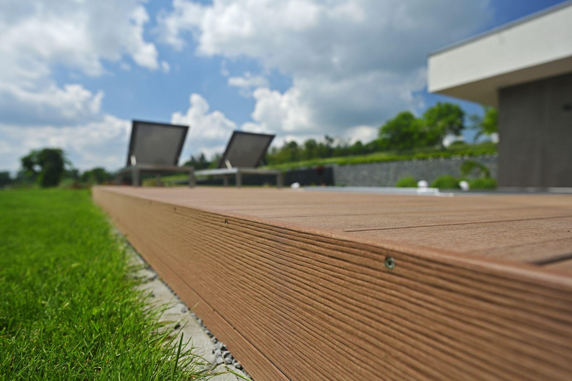 Terasa WPC - Woodplastic, prkna Premium Forest Plus Palisander - terasa Romana Poláka - detail 1