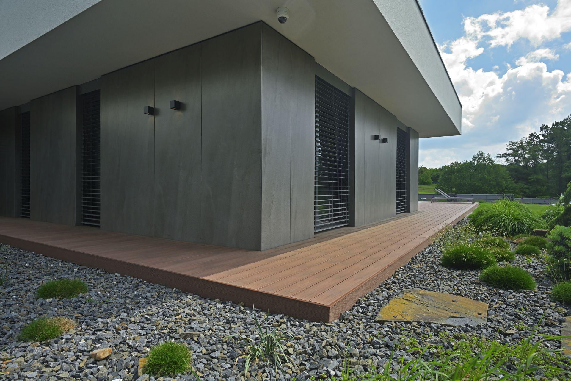 Terasa WPC - Woodplastic, prkna Premium Forest Plus Palisander - terasa Romana Poláka - detail 5