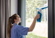 Čištění oken - vysavač na okna - aku stěrka