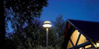 Venkovní osvětlení Thorn u domu