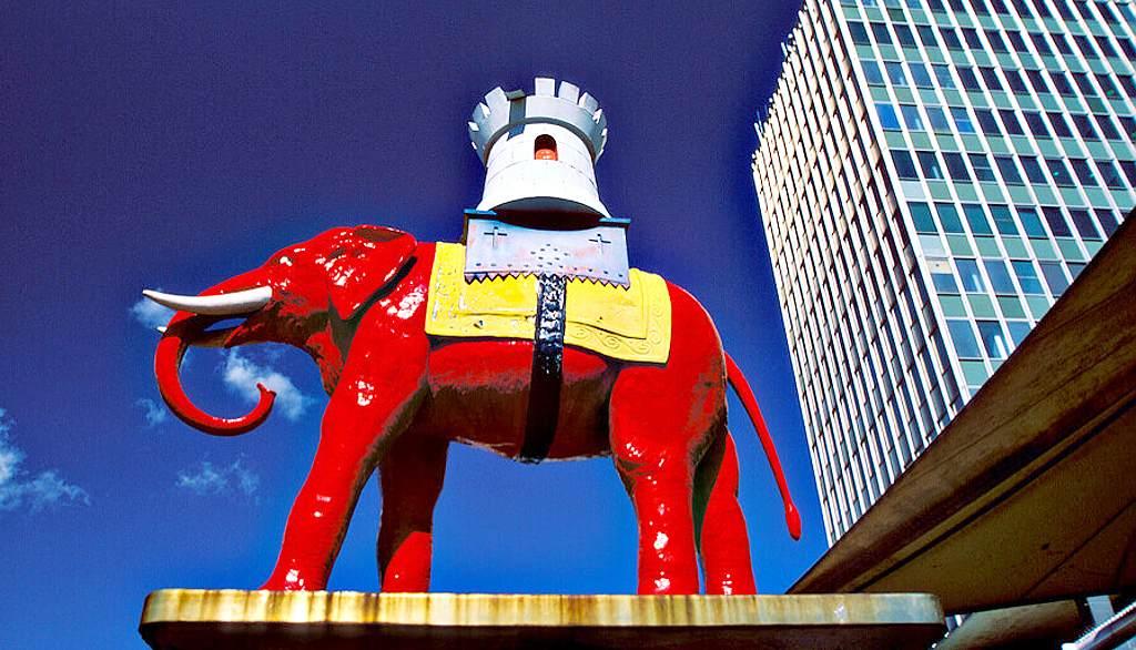 Elephant and Castle symbol - London (Uncle)