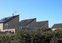 Solární panely na domech v Holandsku (Pixabay)