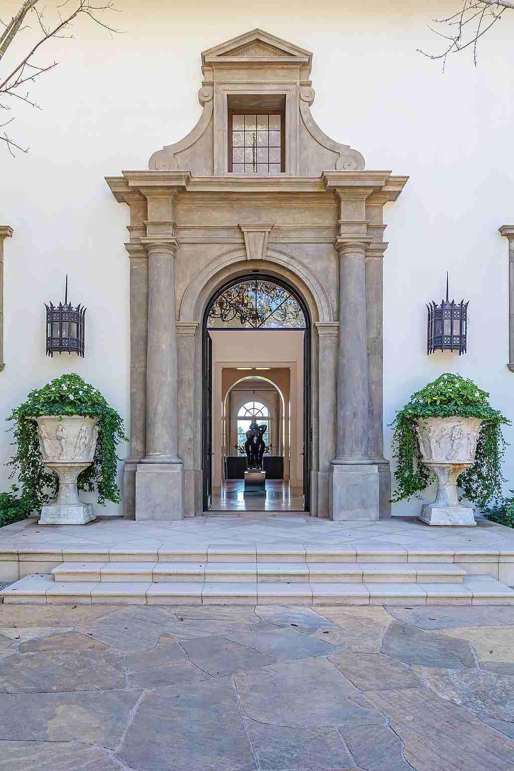 Hilton&Hyland - sídlo Sylvestera Stalloneho v Los Angeles je na prodej 02