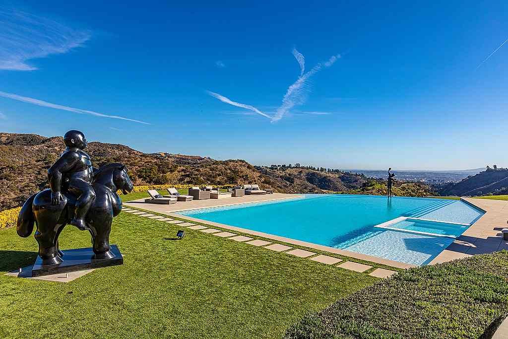 Hilton&Hyland - sídlo Sylvestera Stalloneho v Los Angeles je na prodej 10