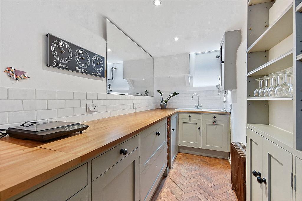 Nejužší dům v Londýně - kuchyně