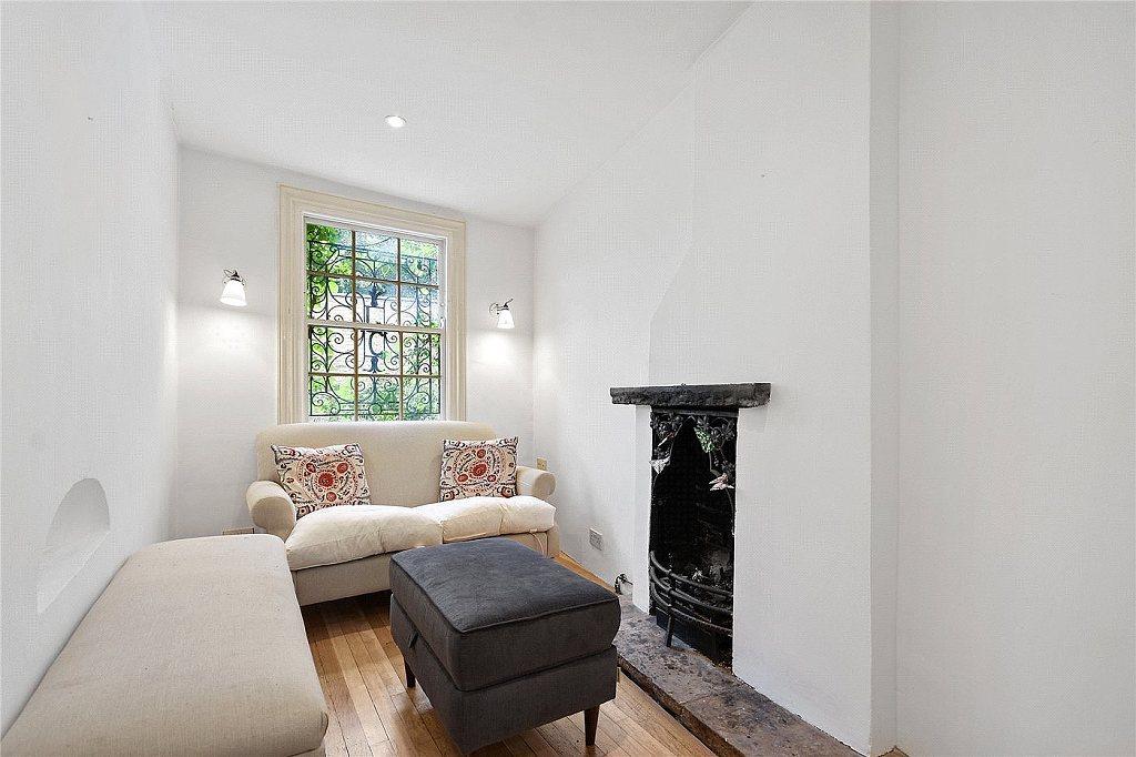 Nejužší dům v Londýně - obývací pokoj