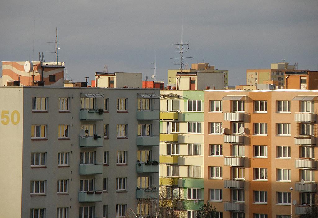 Panelové domy na sídlišti - ilustrační foto (Pixabay)